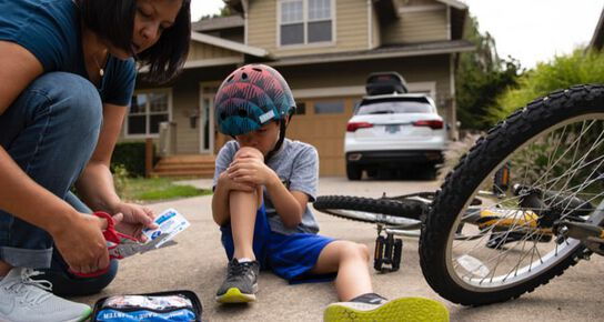 Injured child by bike accident