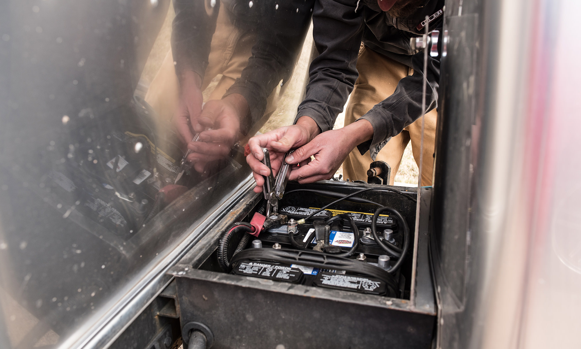 Diy Battery Replacement In An Rv Wire Leads To Provide Additional Functions Such As Powering Trailer Disconnect Cables From Batteries Making Sure The Negative First Most Trailers And Rvs Have 2 6
