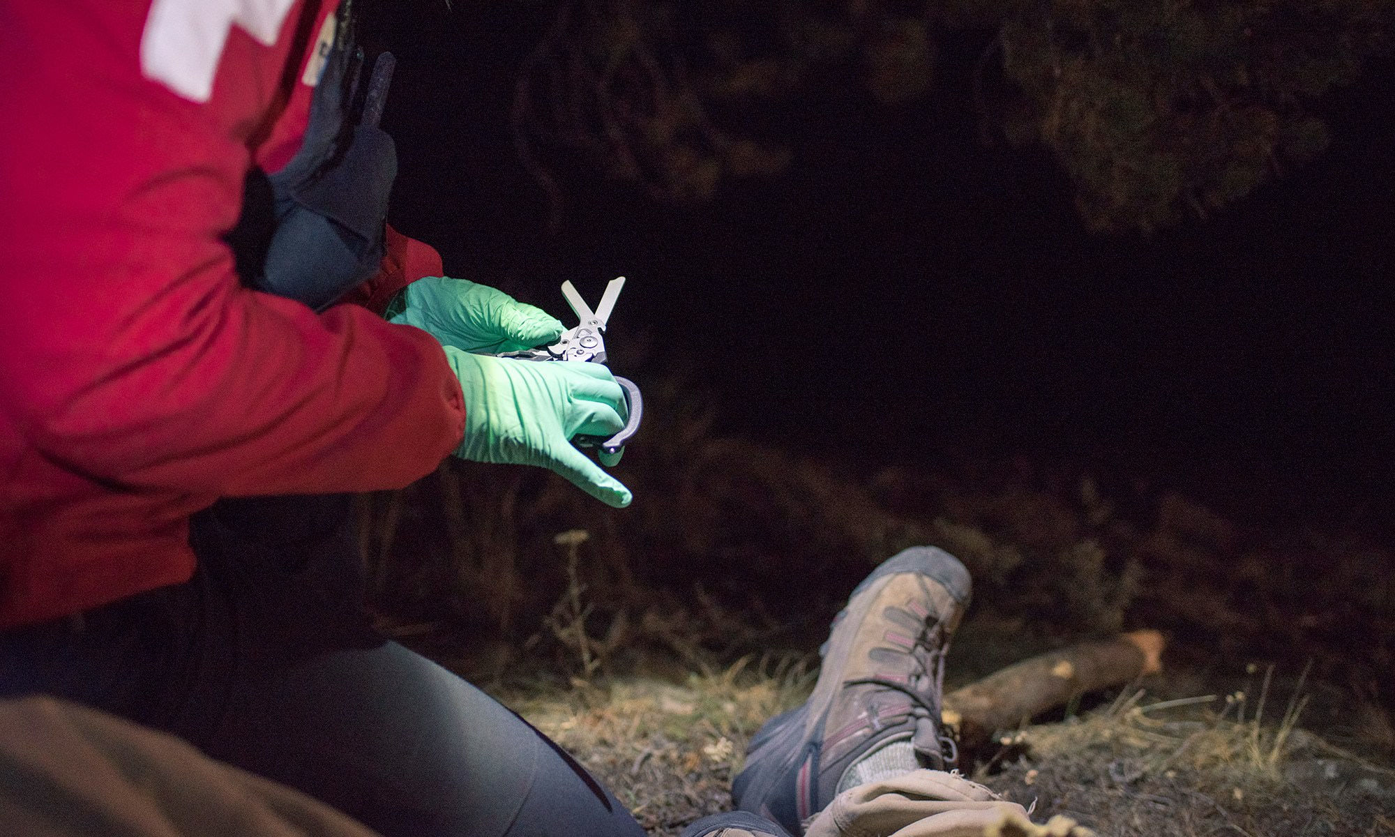 How To Build Your Own Outdoor First Aid Kit